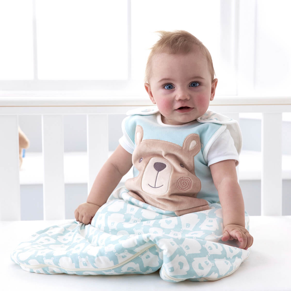 baby-sititng-up-in-cot-sleep-wearing-0-6-month-bennie-bear-grobag