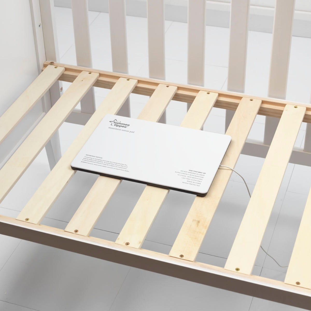 baby-movement-sensor-pad-in-cot