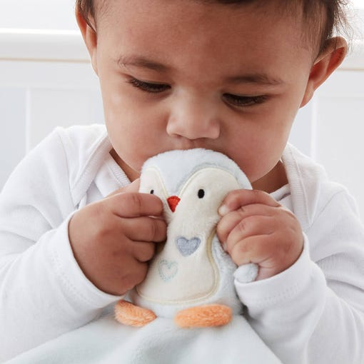 baby-cuddling-percy-penguin-comforter