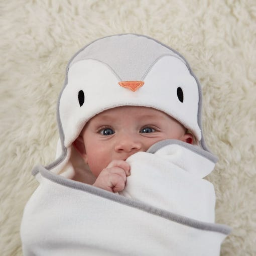 baby-wrapped-up-in-poppy-penguin-groswaddledry