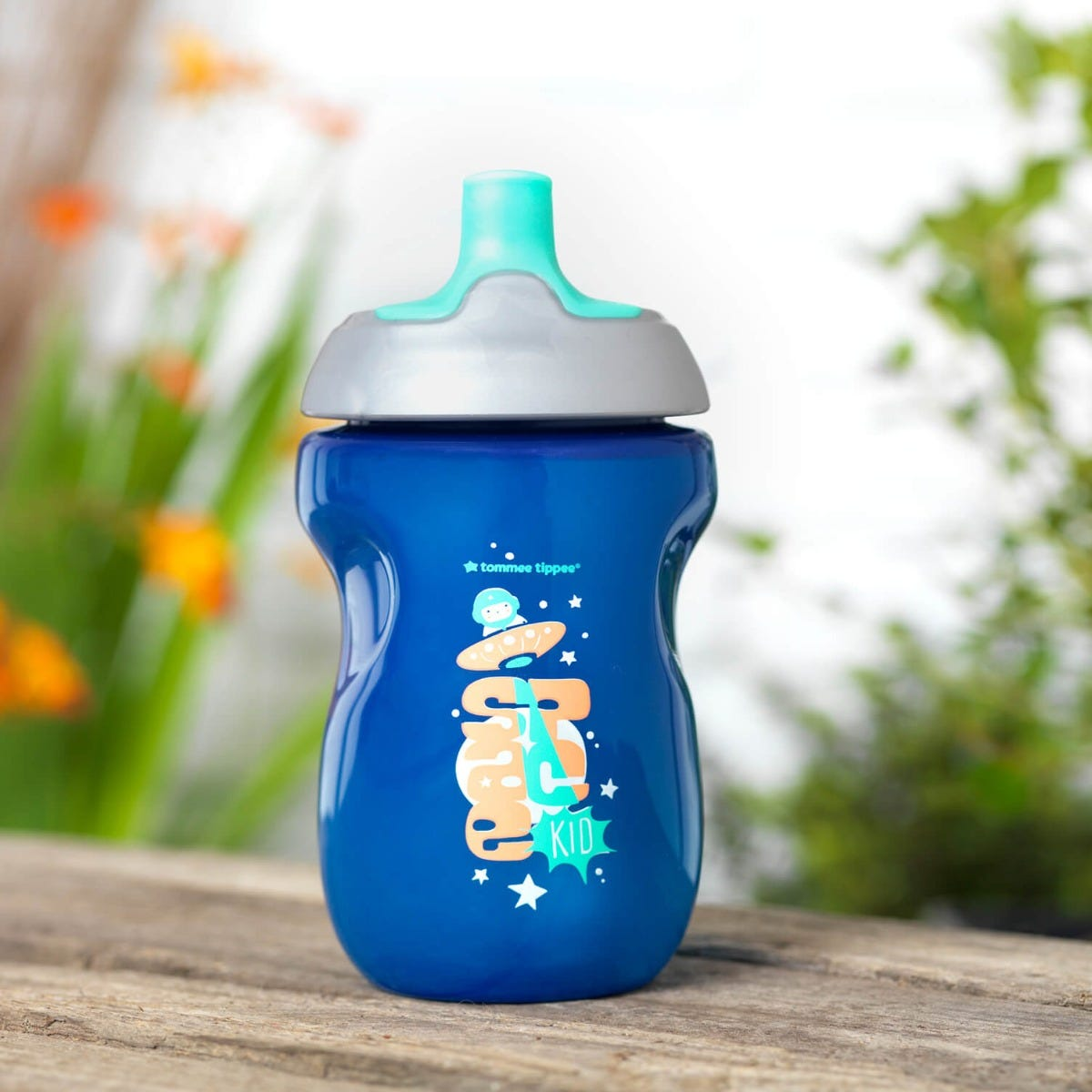 active sports bottle blue on outside bench